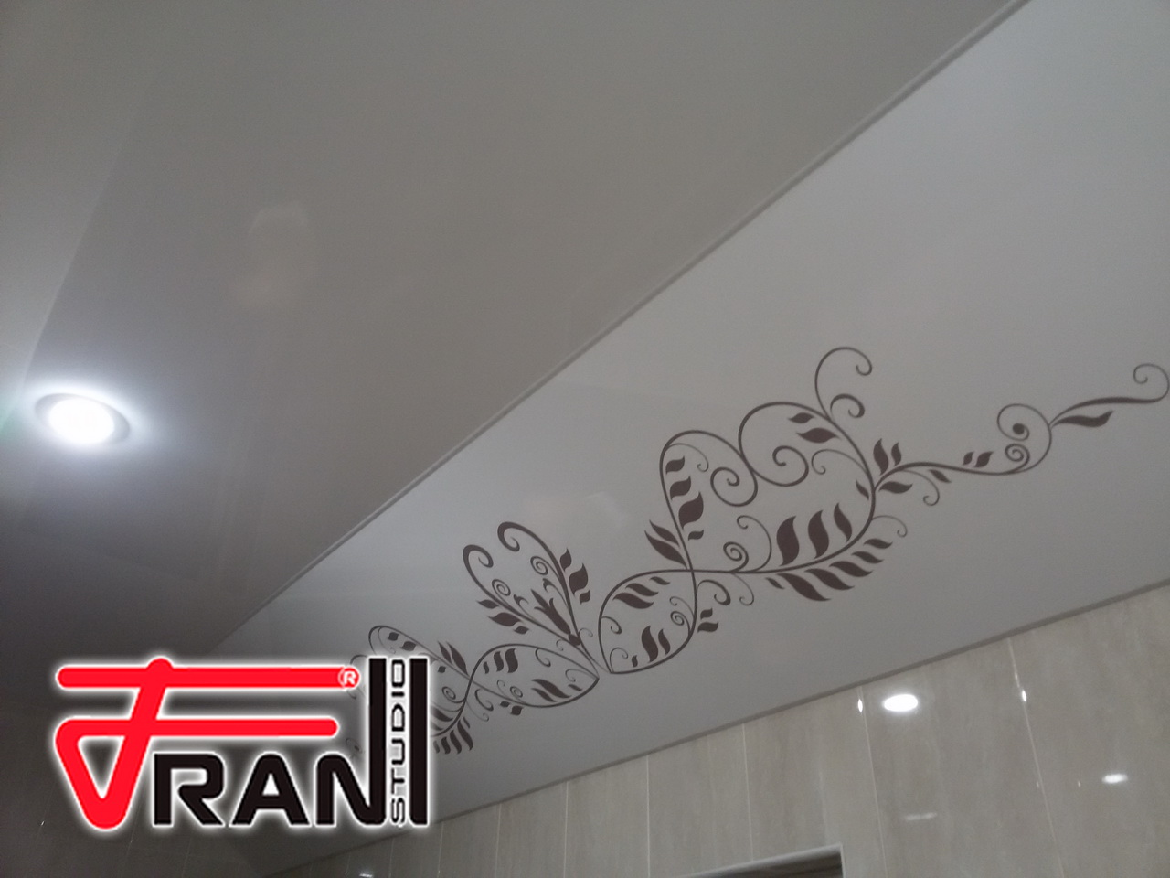 Потолок (2)